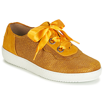 Shoes Women Low top trainers Casta HUMANA Yellow / Gold