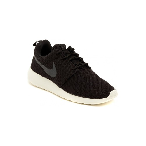 Shoes Men Low top trainers Nike ROSHERUN Multicolore