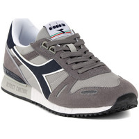 Shoes Low top trainers Diadora TITAN II    101,3