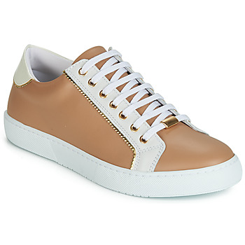 Shoes Women Low top trainers André BERKELITA Camel
