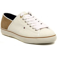 Low top trainers Tommy Hilfiger VIVIEN  SAND