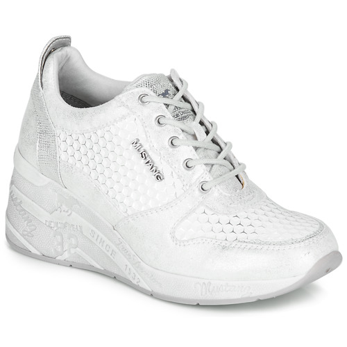 Shoes Women Low top trainers Mustang 1319303-121 Silver / White