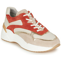 Shoes Women Low top trainers Bullboxer 750000E5L White