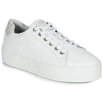 Shoes Women Low top trainers Bullboxer 987033E5L White