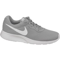 Shoes Men Low top trainers Nike Tanjun Grey