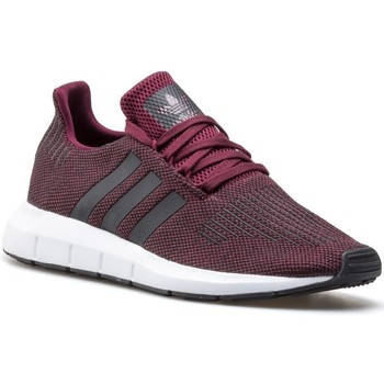 Shoes Men Low top trainers adidas Originals Swift Run Red