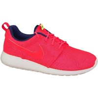 Shoes Women Low top trainers Nike Roshe One Moire Wmns Red