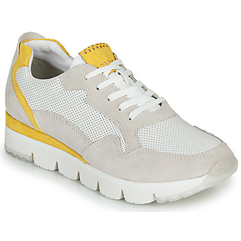 Shoes Women Low top trainers Marco Tozzi 2-23754 White / Yellow