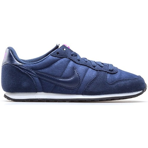 Shoes Women Low top trainers Nike Wmns Genicco