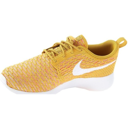 Shoes Women Low top trainers Nike Wmns Rosherun Flyknit White, Orange, Honey