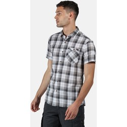 Clothing Men Long-sleeved shirts Regatta Men's Ramiro Short Sleeved Checked Shirt Grey