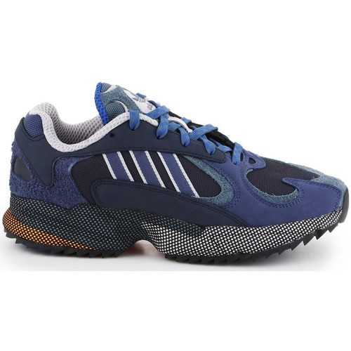 Shoes Men Low top trainers adidas Originals YUNG1 Blue,Navy blue