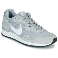 Shoes Men Low top trainers Nike VENTURE RUNNER Grey / White