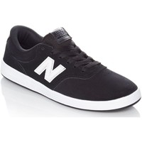 Shoes Men Low top trainers New Balance Black-White 424 Shoe Black