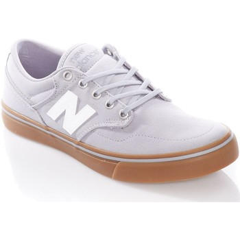Shoes Men Low top trainers New Balance Light Grey-Gum All Coasts - 331 Shoe Grey