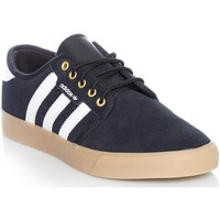 Shoes Men Low top trainers adidas Originals Core Black-Footwear White-Gold Metalic Seeley Shoe Black