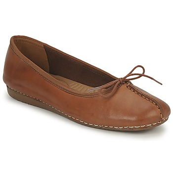 Shoes Women Flat shoes Clarks FRECKLE ICE Dark-Tan-Leather