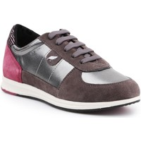 Shoes Women Low top trainers Geox D Avery B D52H5B-0AJ22-C1G9F brown, burgundy