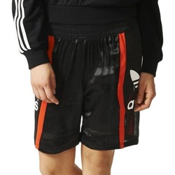 Clothing Women Shorts / Bermudas adidas Originals Basketball Baggy Black,Red