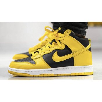 Shoes Hi top trainers Nike Dunk High SP ?Varsity Maize? Black/Varsity Maize