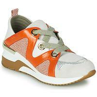 Shoes Women Low top trainers Mam'Zelle VELODE Beige / Orange