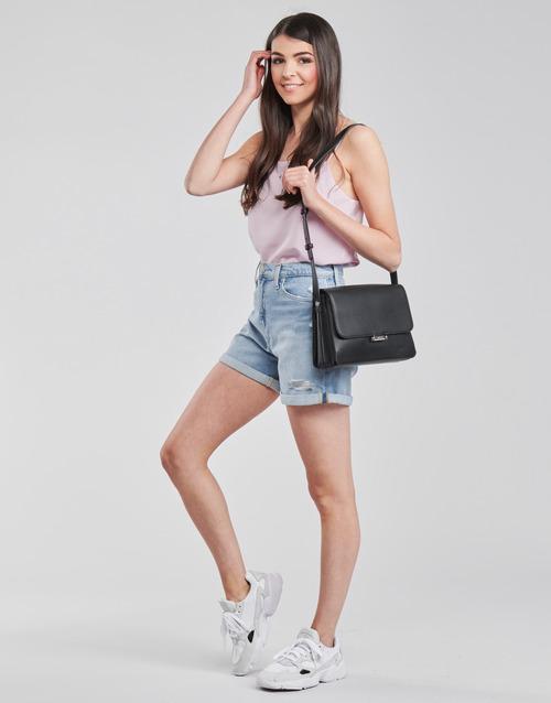 Calvin Klein Jeans MOM SHORT