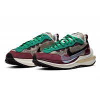 Shoes Low top trainers Nike Vaporwaffle Burgundy x Sacai  String/Black-Villain Red-Neptune Green