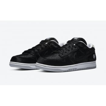 Shoes Low top trainers Nike SB Dunk Low Medicom Black/White/Black