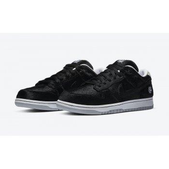 Shoes Low top trainers Nike SB Dunk Low Medicom Black/White/Black