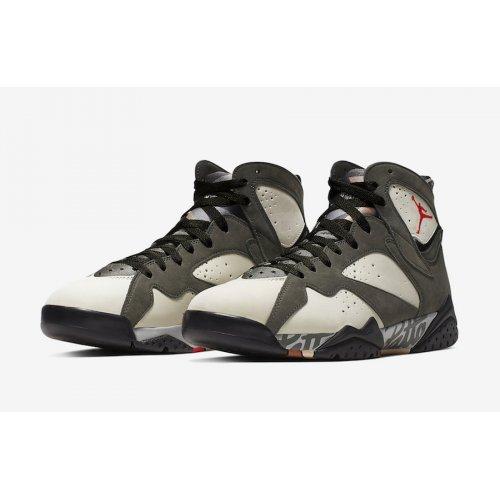 Shoes Hi top trainers Nike Air Jordan 7 x Patta Icicle Icicle/Sequoia-River Rock-Light Crimson