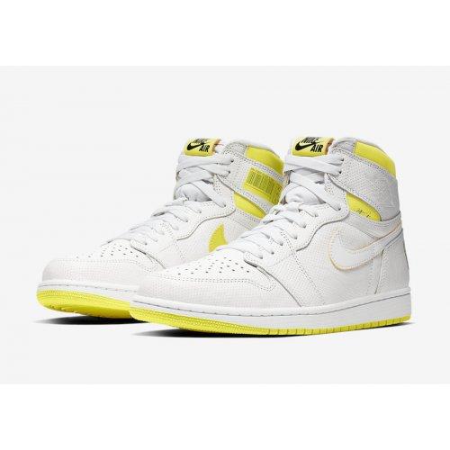 Shoes Hi top trainers Nike Air Jordan 1 High First Class Flight White/Yellow