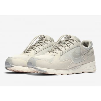 Shoes Low top trainers Nike Air Skylon II x Fear Of God Light Bone Light Bone/Clear Reflect Silver-Sail
