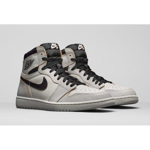 Shoes Hi top trainers Nike Air Jordan 1 x SB