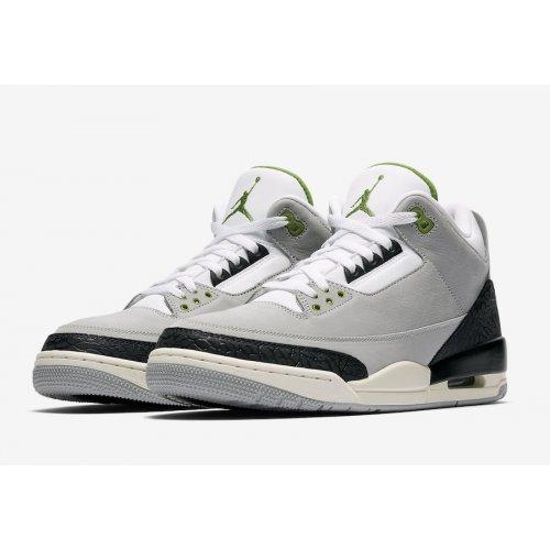Shoes Low top trainers Nike Air Jordan 3 Chlorophyll Light Smoke Grey/Chlorophyll-Black-White-Sail