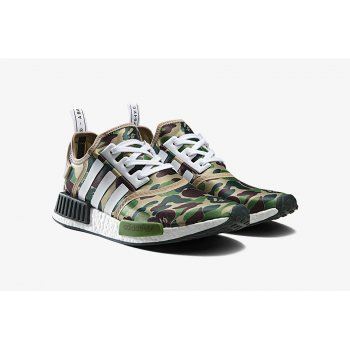 Shoes Low top trainers adidas Originals NMD R1 x Bape Camo Green Pantone / Running White Ftw / Running White Ftw