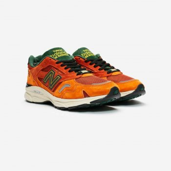 Shoes Low top trainers New Balance M920 x SNS Sports World Orange/Black