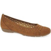 Shoes Women Flat shoes Gabor Ruffle Womens Punched Detail Casual Shoes brown