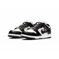 Shoes Low top trainers Nike SB Dunk Low x Supreme Black Black/White