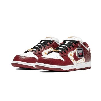 Shoes Low top trainers Nike SB Dunk Low x Supreme Barkroot Brown White/Metallic Gold/Barkroot Brown