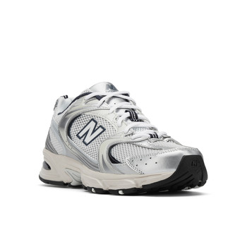Shoes Low top trainers New Balance  White / Black
