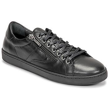 Shoes Women Low top trainers Pataugas IRIS Black