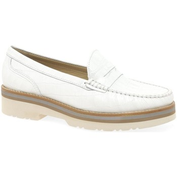 Shoes Women Loafers Charles Clinkard Cayenne 3 Womens Moccasins white