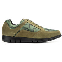 Shoes Men Low top trainers Diluis
