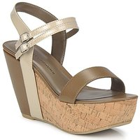Shoes Women Sandals Chinese Laundry GO GETTER Taupe / Dk / Beige