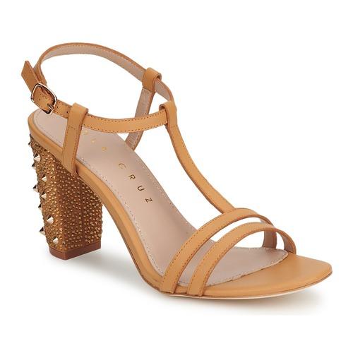 Shoes Women Heels Lola Cruz STUDDED Beige / Tan