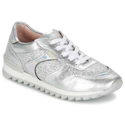 Shoes Women Low top trainers Unisa DALTON Silver / White