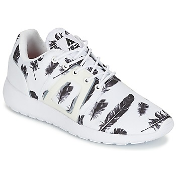 Shoes Low top trainers Asfvlt SUPERTECH White / Black