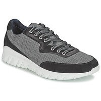 Shoes Men Low top trainers Paul & Joe REPPER Black