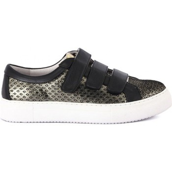 Shoes Women Low top trainers Logan CROSSING    109,4