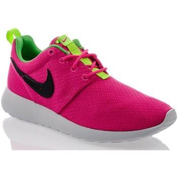 Shoes Women Low top trainers Nike Rosherun Black